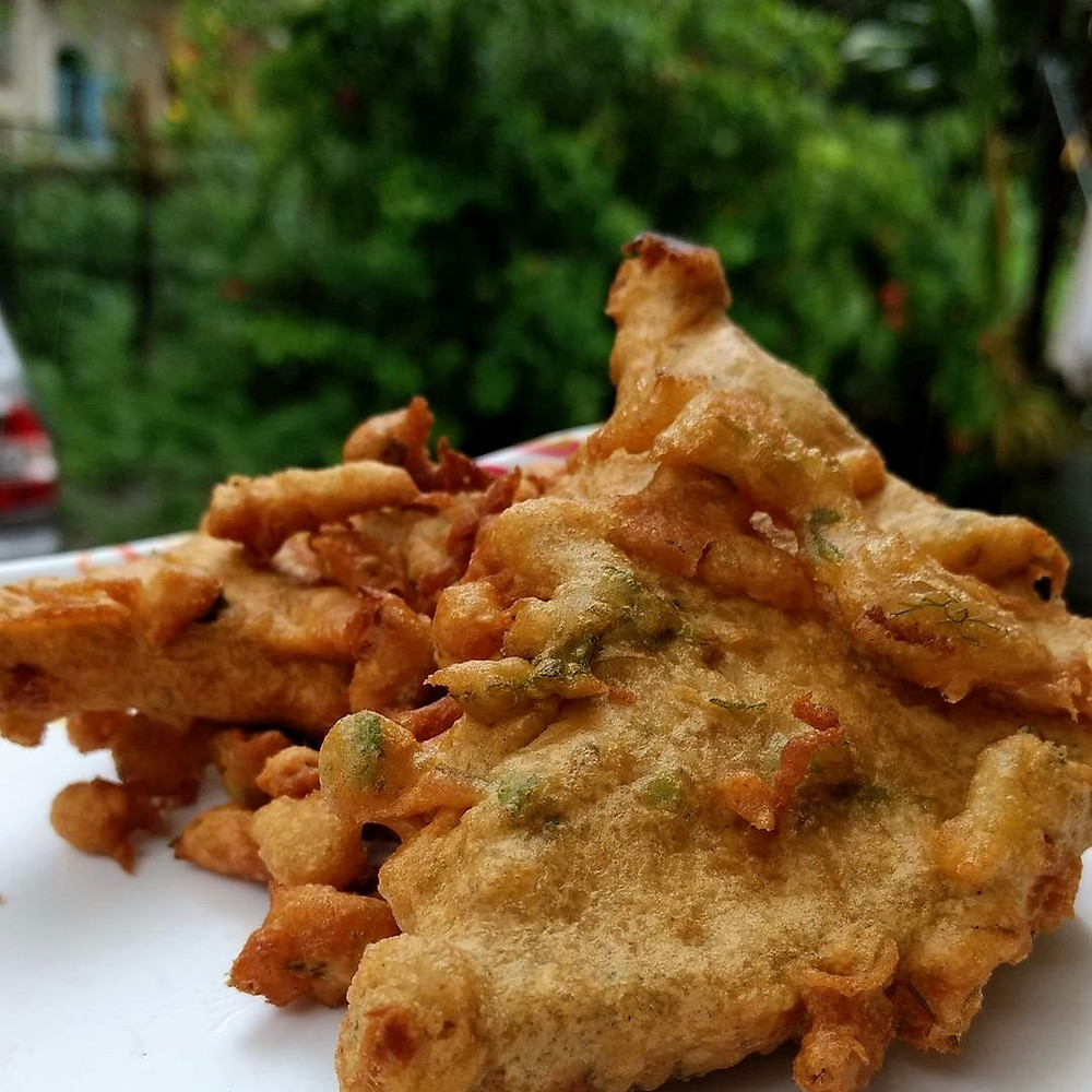 Besan ka toast, Bread Pakoda, bread pakora recipe, indian recipe blog, indian breakfast ideas, traditional indian recipe, whiskmixstir food blog, sheetal jandial
