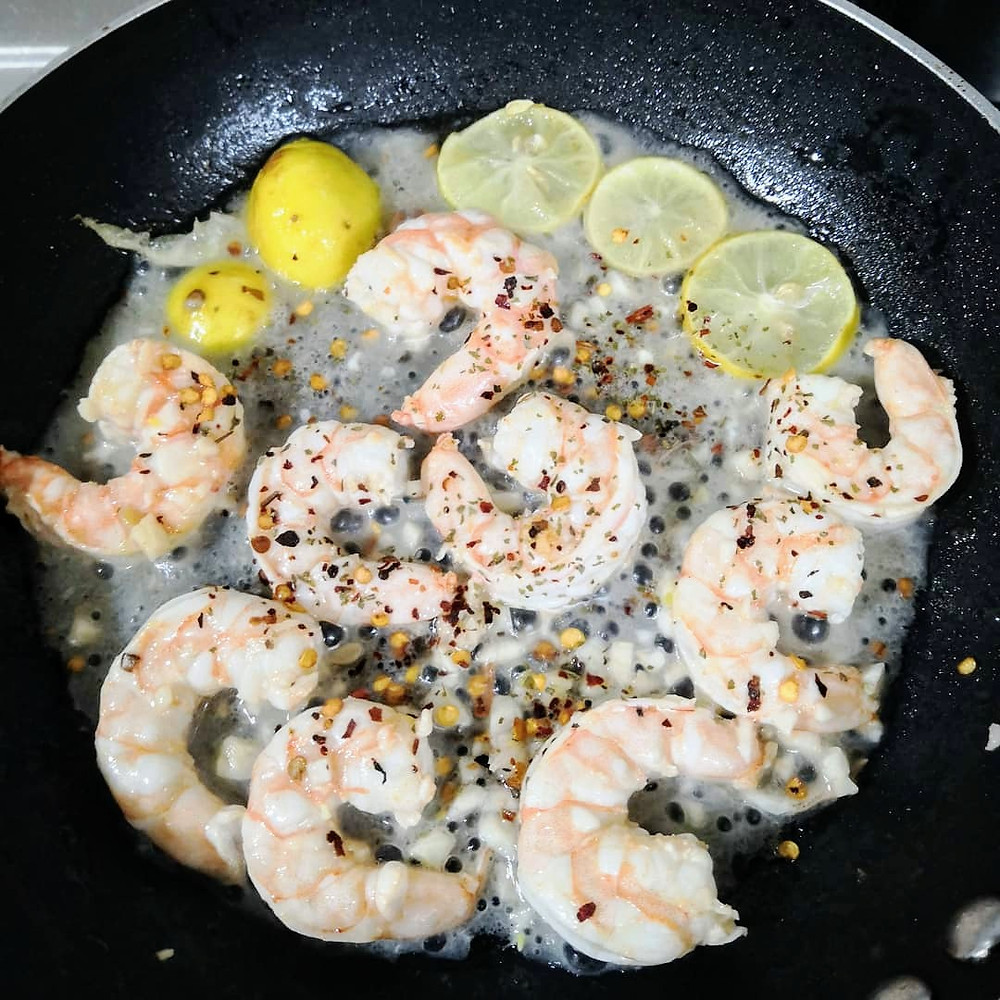lemon garlic prawns recipe, garlic butter prawns, prawns recipe, pan grilled prawns, whiskmixstir food recipe blog, sheetal jandial