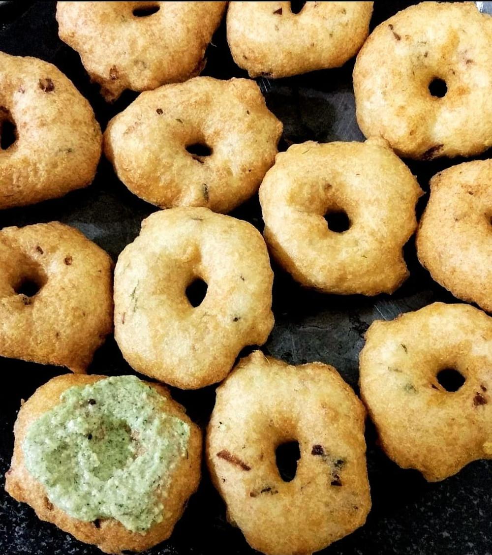 Medu vada recipe, Urad Dal vada recipe, indian meal ideas, indian recipe blog, whiskmixstir food blog, sheetal jandial