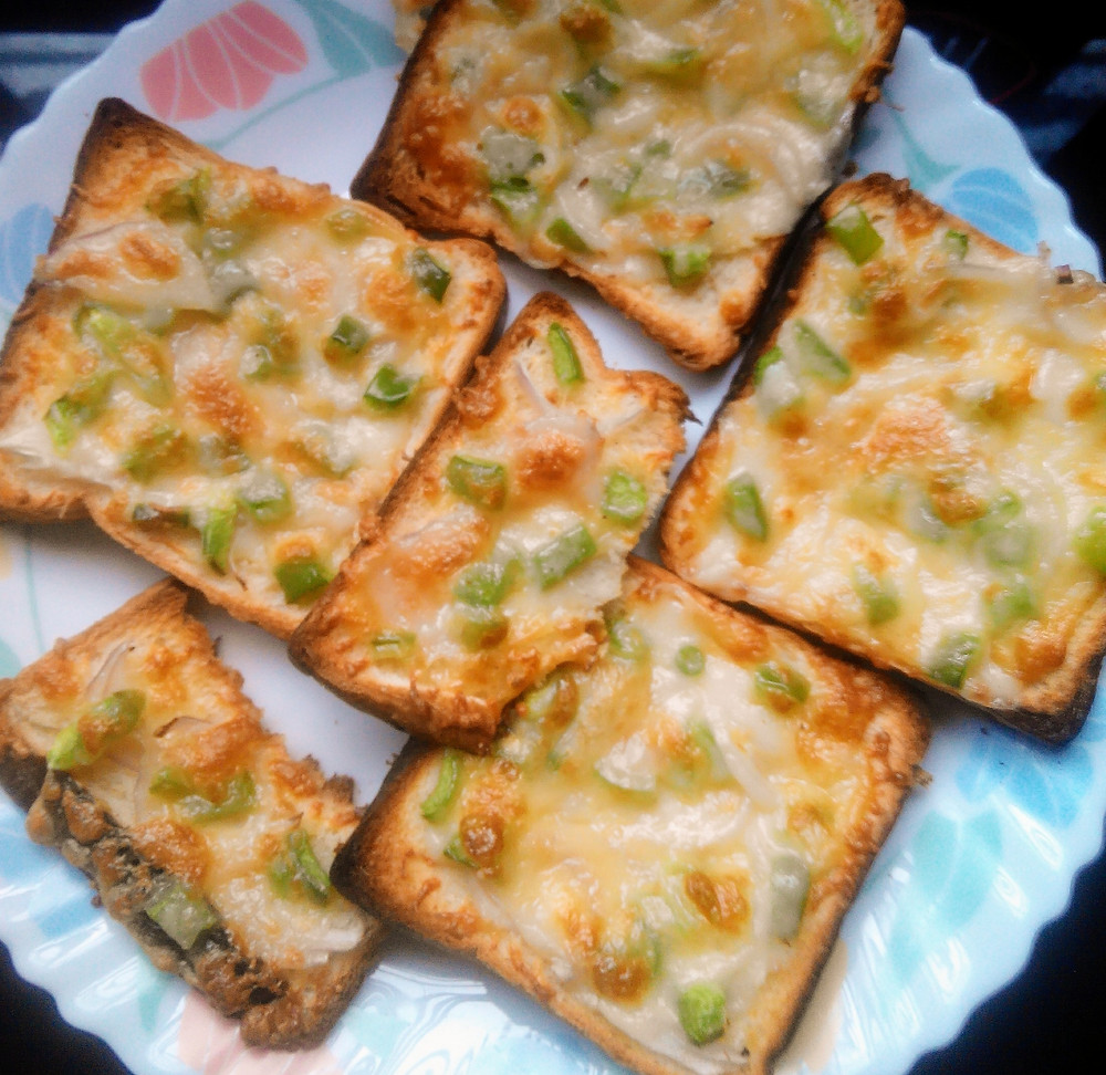 Chilli Cheese Toast recipe, cheese toast recipe, indian recipe blog, breakfast ideas, snack options, whiskmixstir food blog, sheetal jandial