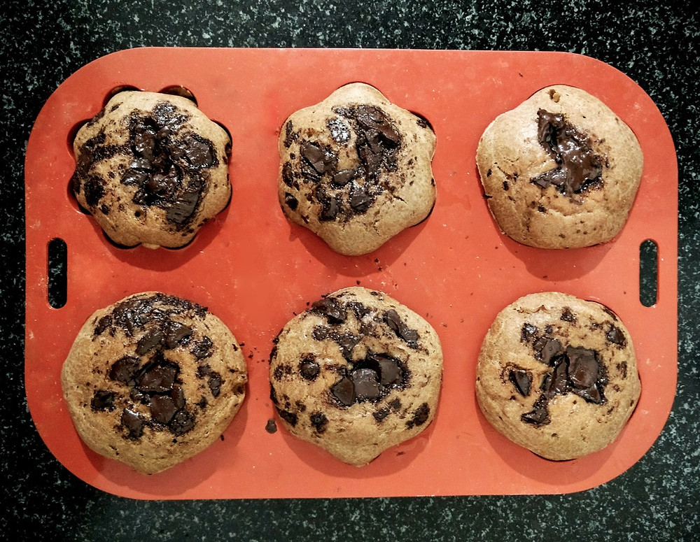 chocolate chip muffins recipe, chocolate chunk muffins, muffins recipe, sheetal jandial, whiskmixstir food recipe blog