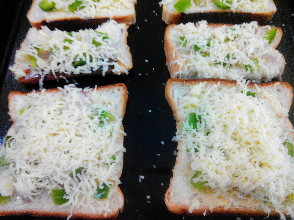Chilli Cheese Toast recipe, snack ideas, indian recipe blog, breakfast options, cheese toast recipe, whiskmixstir food blog, sheetal jandial