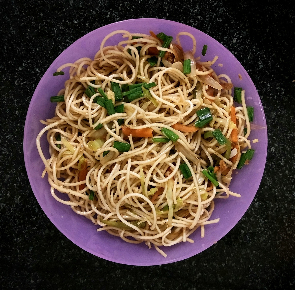 hakka noodles recipe, chowmein recipe, indian chinese meal, indian recipe blog, quick meal ideas, indian street food noodles recipe, whiskmixstir food blog, sheetal jandial