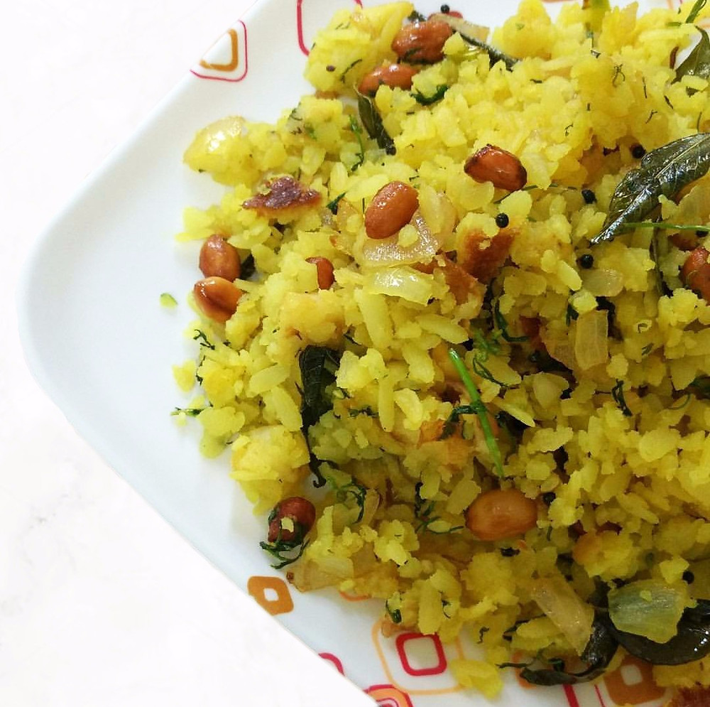 kanda poha recipe, poha recipe, indian recipe blog, indian breakfast ideas, maharashtrian breakfast recipe, whiskmixstir, authentic indian food blog, sheetal jandial