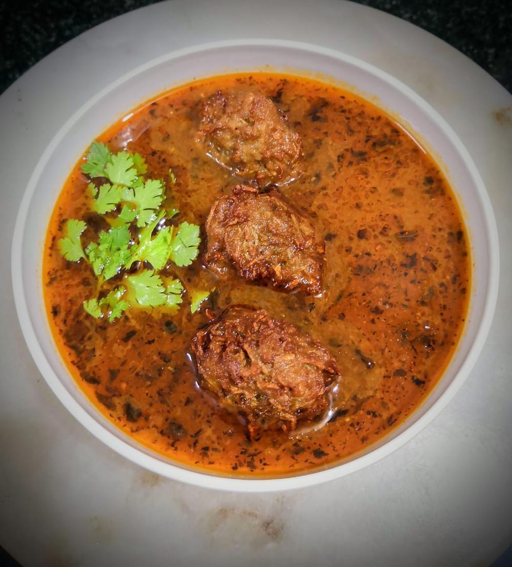 lauki bottle gourd kofta recipe, indian kofta curry recipe, indian home style curry recipes, indian food recipe blog whiskmixstir, authentic indian food blog, sheetal jandial