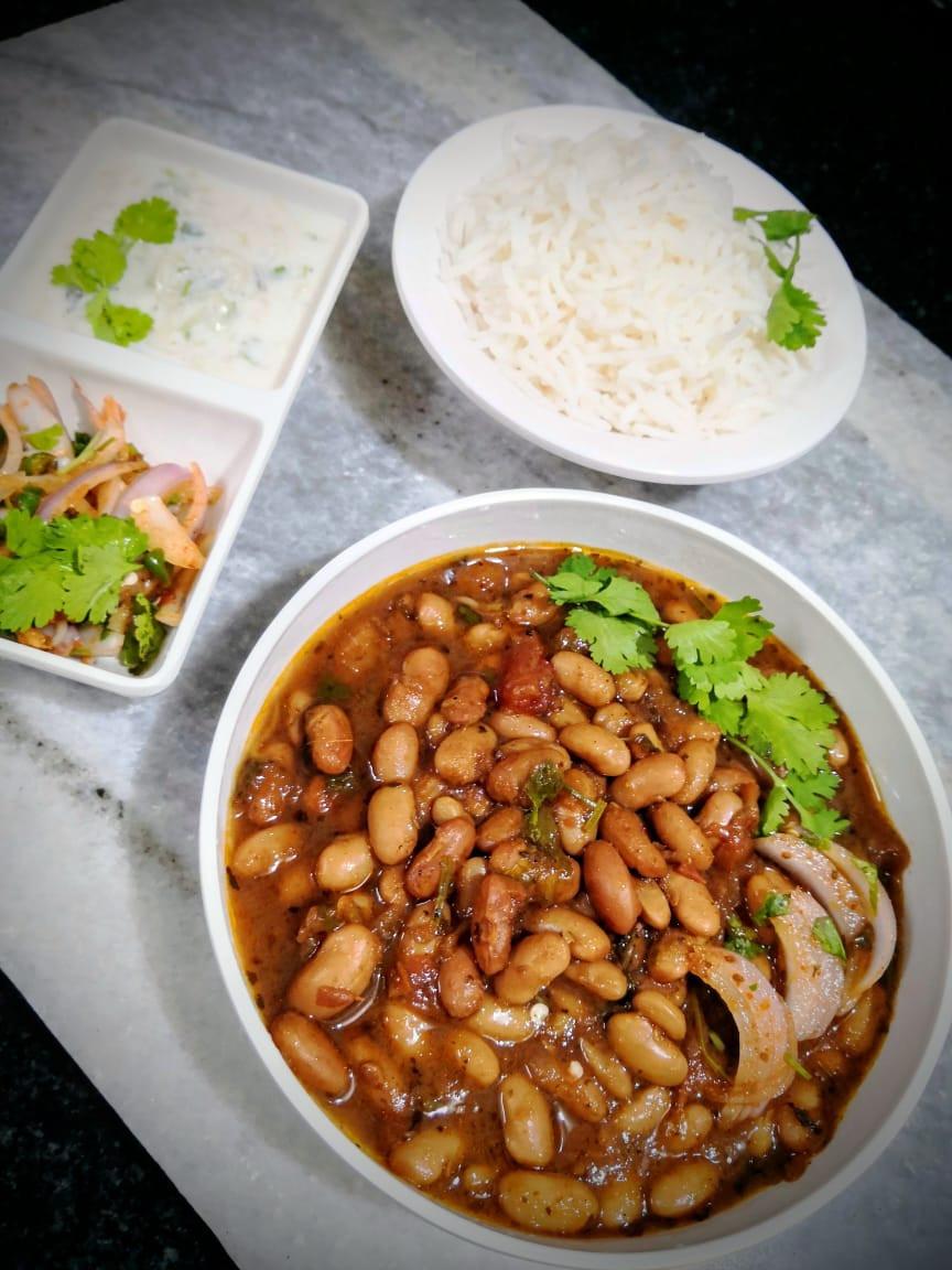 punjabi rajma masala recipe, north indian rajma chawal recipe, red kidney beans curry recipe, sirke wale pyaz pickled onions recipe, cucumber raita recipe, iron rich vegan vegetarian recipes, traditional indian food recipe blog whiskmixstir, authentic indian homestyle curry recipes, sheetal jandial