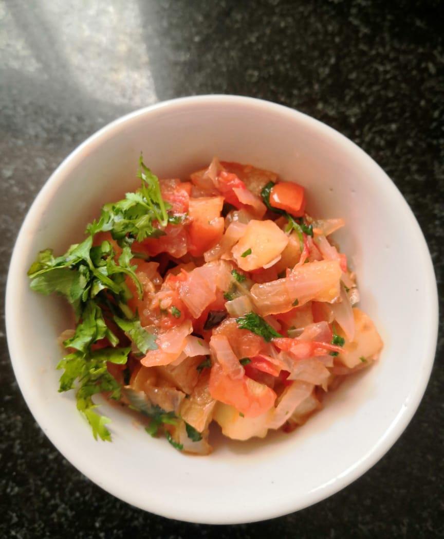 aloo bhurji recipe, potato bhurjee recipe, potato recipes, egg bhurjee recipe, aloo pyaaz tamatar chutney recipe, indian breakfast recipes ideas, indian food recipe blog whiskmixstir, sheetal jandial