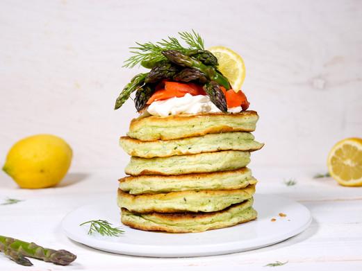 Dill-Pancakes mit Räucherlachs & grünem