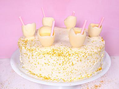 Eierlikör-Mandel-Torte mit Tonka-Frischkäse-Frosting & Eierlikörchen