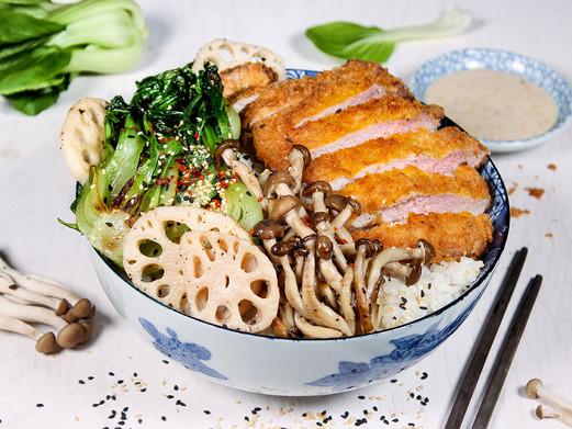 Donburi (japanische Reisbowl) mit Tonkat