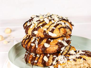 Banana Bread Cookies mit Macadamias, Rum & dunkler Schokolade