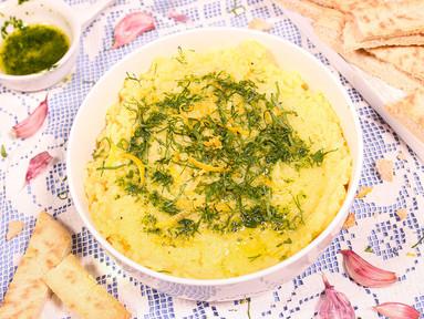 Skordalia (Knoblauch-Kartoffelpüree) mit Petersilienöl & Pita-Sticks