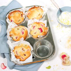 Rhabarber-Muffins mit Ingwer & Zitronen-Mascarpone
