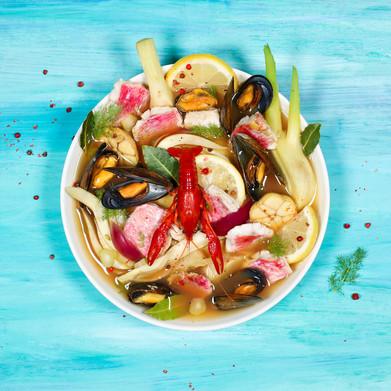 Sommerliche Fischsuppe mit Rotbarbe, Mie