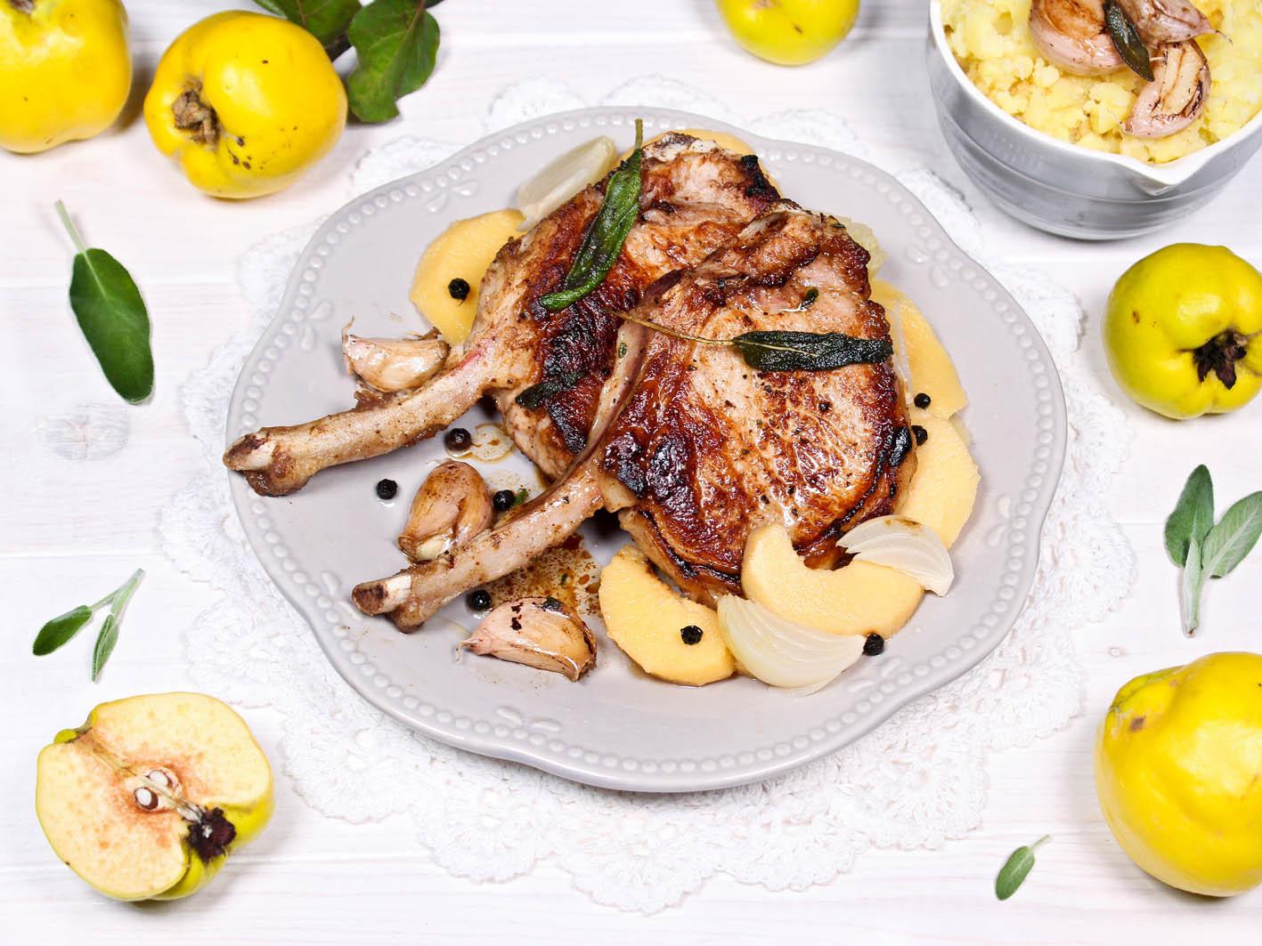 Kotelett vom Apfelschwein mit Salbei & s