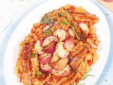 Mafaldine (Pasta) mit Pfirsichen, Pancetta, Kichererbsen & Ahornsirup