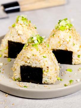 Onigiri (japanischer Reis-Snack) mit Tof