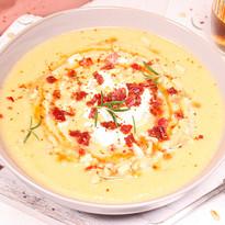 Steckrüben-Suppe mit Cidre, Bacon & Pinienkernen