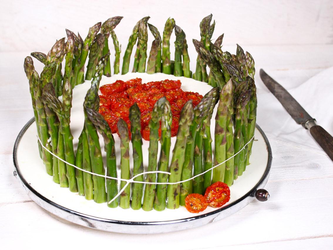 Spargel-Ricotta-Torte mit halbgetrocknet