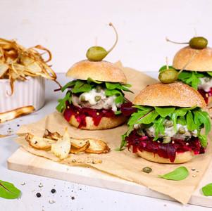 Königsberger Klopse Mini-Burger mit Rote-Bete-Relish