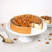 Cheesecake mit Schokoladen-Ganache mit Karamell-Pecans