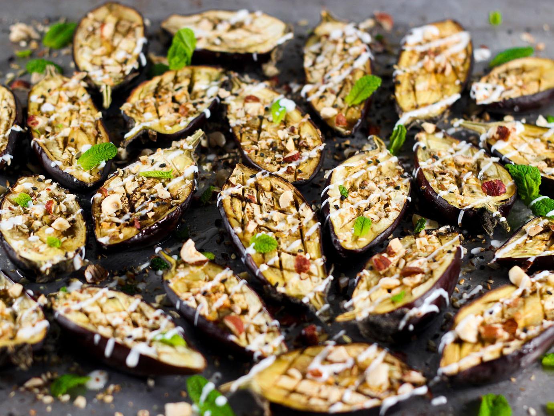 Auberginen mit Dukkah & Joghurtsauce