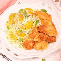 Spitzkohl-Orangen-Salat mit Mohn & Mini-Hähnchenschnitzeln