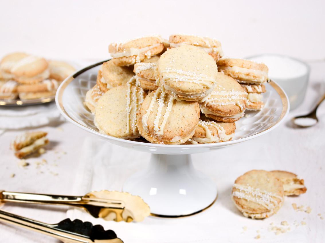 Kokos-Vanille-Cookies mit weißer Schokol