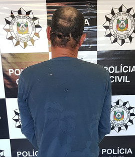 Homem é preso suspeito de abusar sexualmente da filha