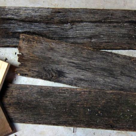 ไม้อ่อนย้อมง่าย ไม้เก่าขัดไม่ยาก : วิธีขัดไม้ใหม่ให้ดูเก่า