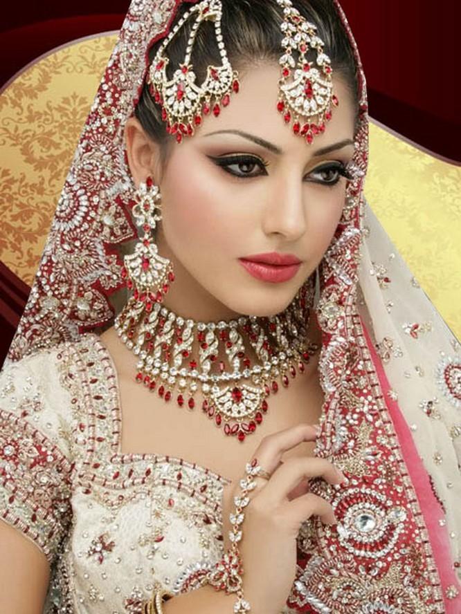 Latest-Bridal-Makeup-Tips-2013.jpg