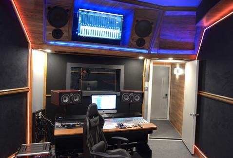 Studio B 1.jpg