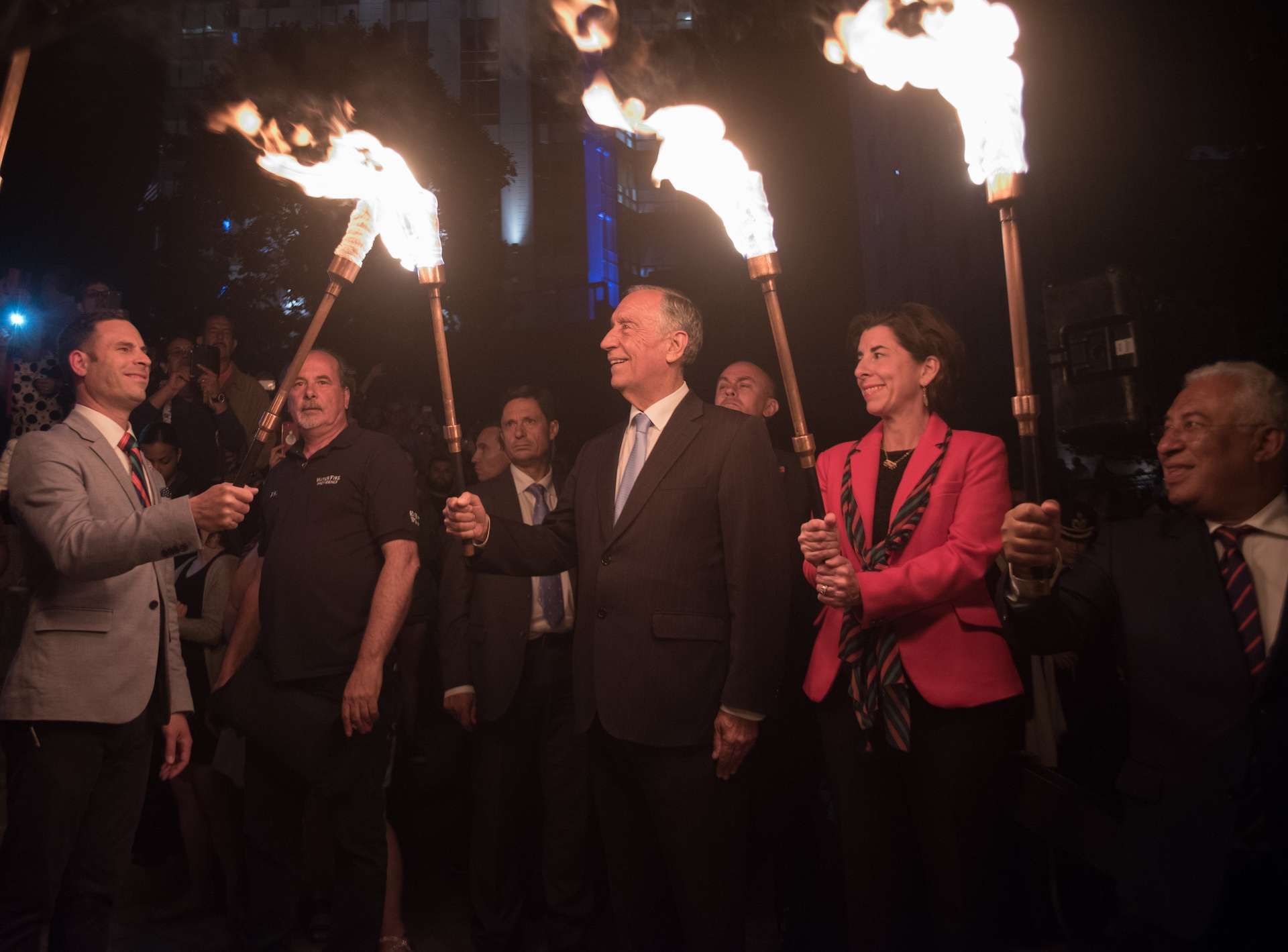portuguese-president-marcelo-rebelo-de-sousa-lights-the-torch-of-the-first-gentleman-of-rhode-island