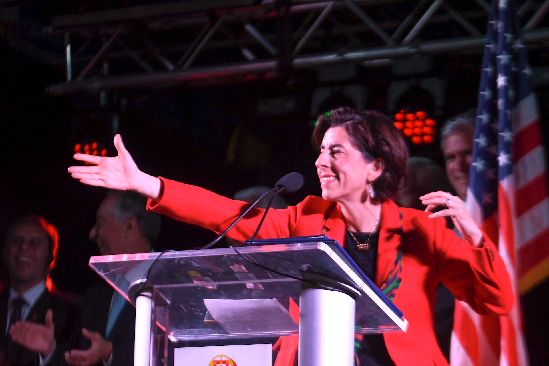 rhode-island-governor-gina-raimondo-addresses-the-crowd-in-the-alex-and-ani-city-center_41893860375_