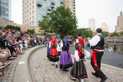folkloric-dance-performance-on-waterplace-park-basin-stage_40984419880_o