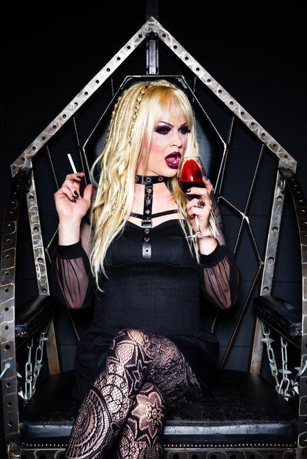 Modern Vampirette, Wild Cat Mistress of the Criminal World, 2017