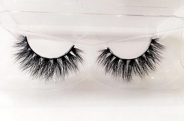 ⚜Hello Beauties Modèle _IBIZA_ ✨ Le style in _Ibiza_ vous donnera un regard envoûtant ! 😍💯✅ #Niala