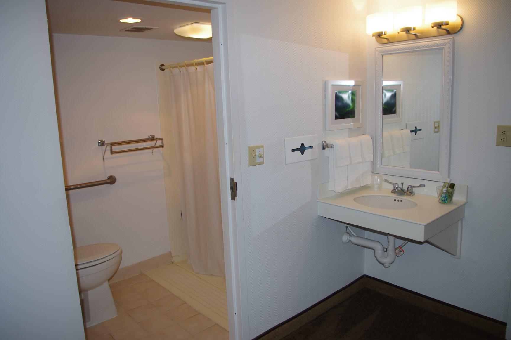 Guest Room 1 (4)