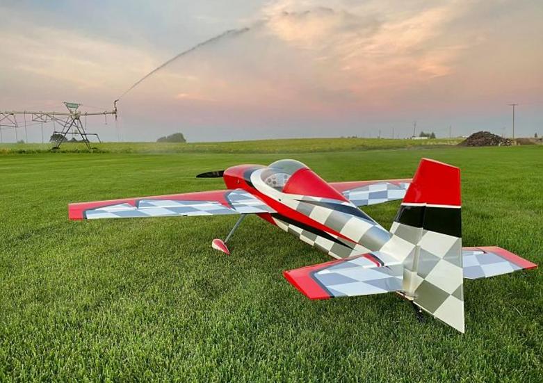 "Extreme Flight Slick 580 114""Red/White"