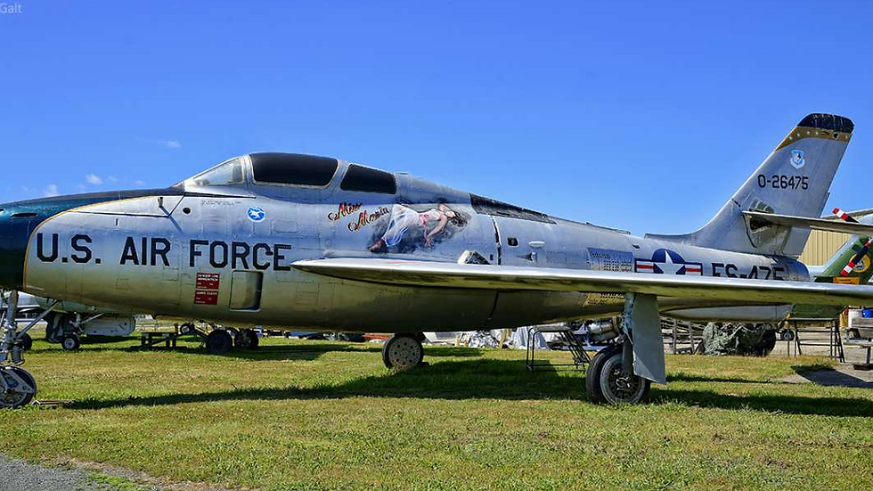 F-84F Thunderstreak 2,05m , full set with accessories
