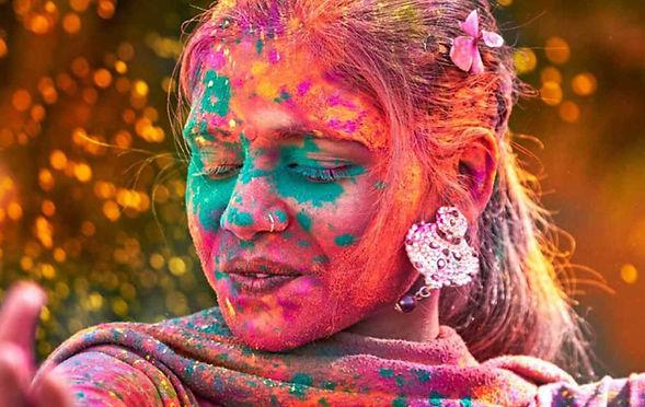 indian-woman-dancing-in-holi-festival-in