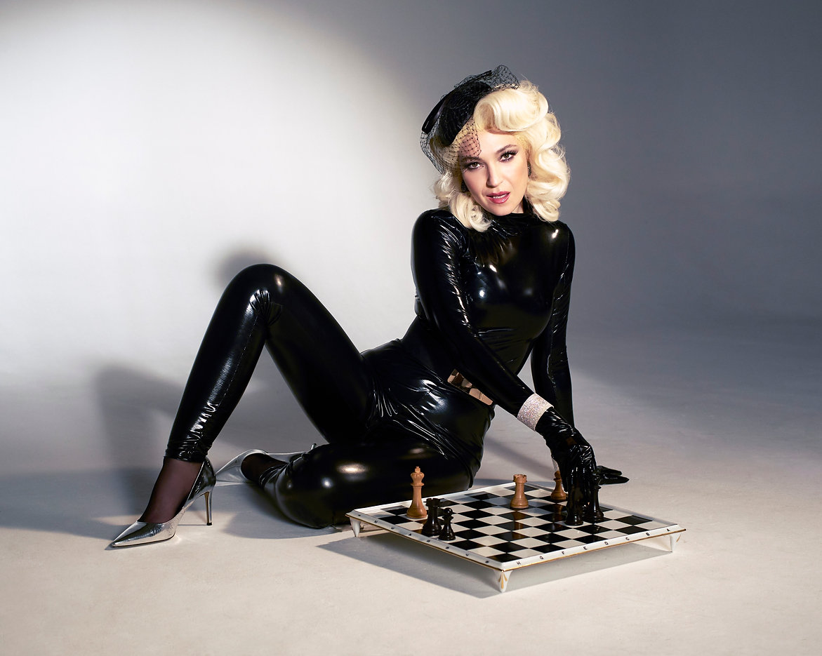 CHESS DIVAS Photo by ANETT POSALAKI.jpg
