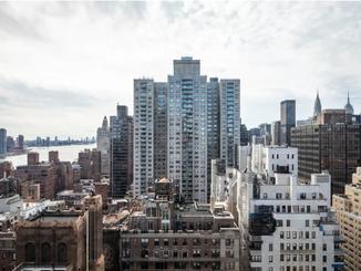 纽约房地产市场(全州)六月持续激增,待售销售额比一年前几乎翻了一番|现在是买方市场了吗?