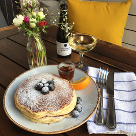 pancakes and prosecco...?