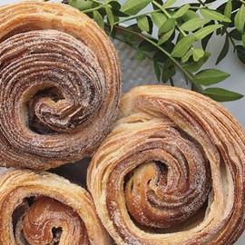 We think that Cinnamon buns make bluster