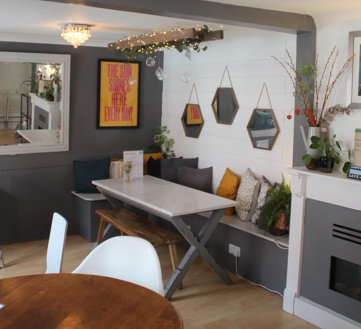 diningroom2021-07j crop.jpg