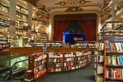 El_Ateneo_Grand_Splendid_Bookshop,_Recoleta,_Buenos_Aires,_Argentina,_28th._Dec._2010_-_Flickr_-_Phi