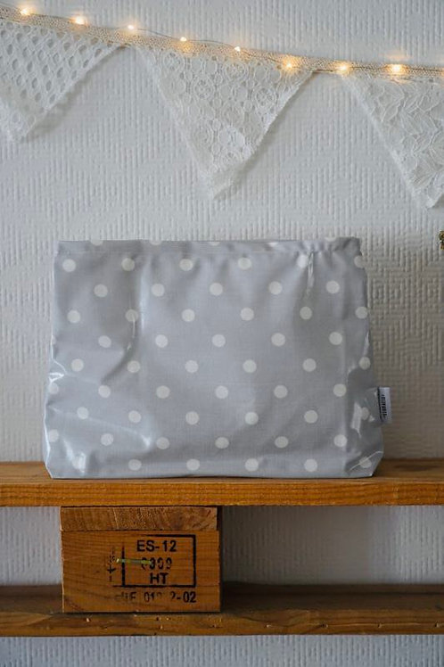 necessaire big *dots light grey*