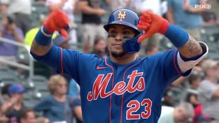 Yankees soar as Javier Baez, Mets players clap back at Mets fans, college football's return