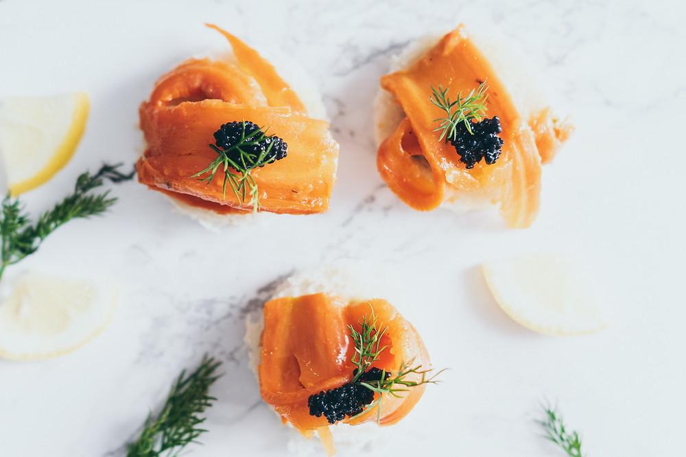 Karottenlachs, Brötchen, dille